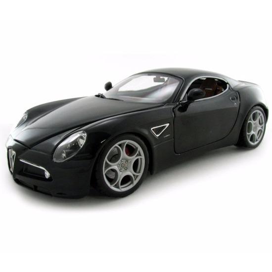 Modelauto Alfa Romeo 8C Competizione zwart 1:18