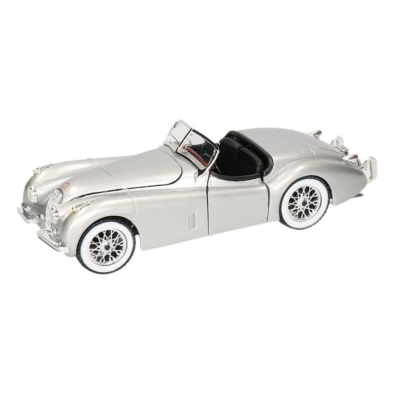Modelauto Jaguar XK 120 cabrio zilver 1 24