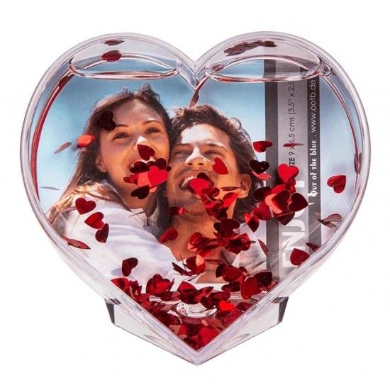 Hartvormige 3D fotolijst met hartjes confetti 9x9 cm